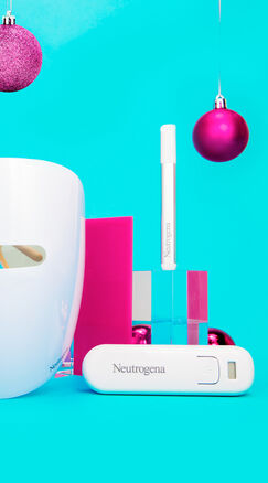 Light therapy gift set for home and on the go neutrogena Ultimate lighting